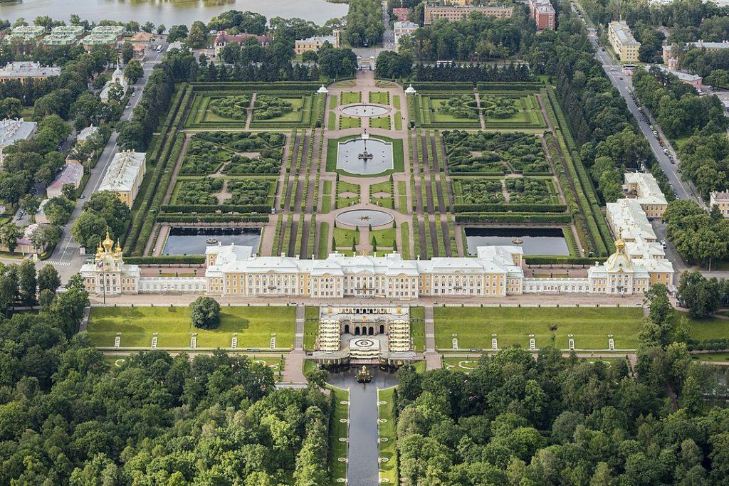 1080px RUS 2016 Aerial SPB Peterhof Palace